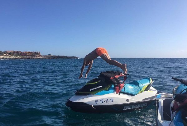 et Ski Experience Water Sport Tenerife. Cheap Excursions. Speed and fun